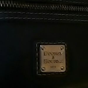 🎄 Delightful Dooney&Bourke Black Leather Wristlet